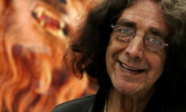 'Star Wars' Actor Peter Mayhew Hospitalized for Pneumonia
