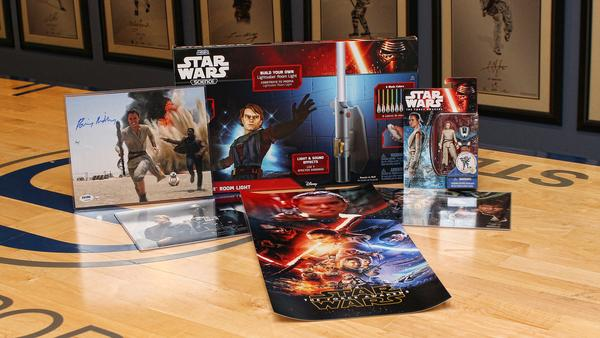 STAR WARS Ultimate Fan Gift Box from Steiner Sports is Here!